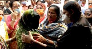 Kaliganj gang Rape Case, BJP's Agnimitra Paul & Mafuja Khatun met the family